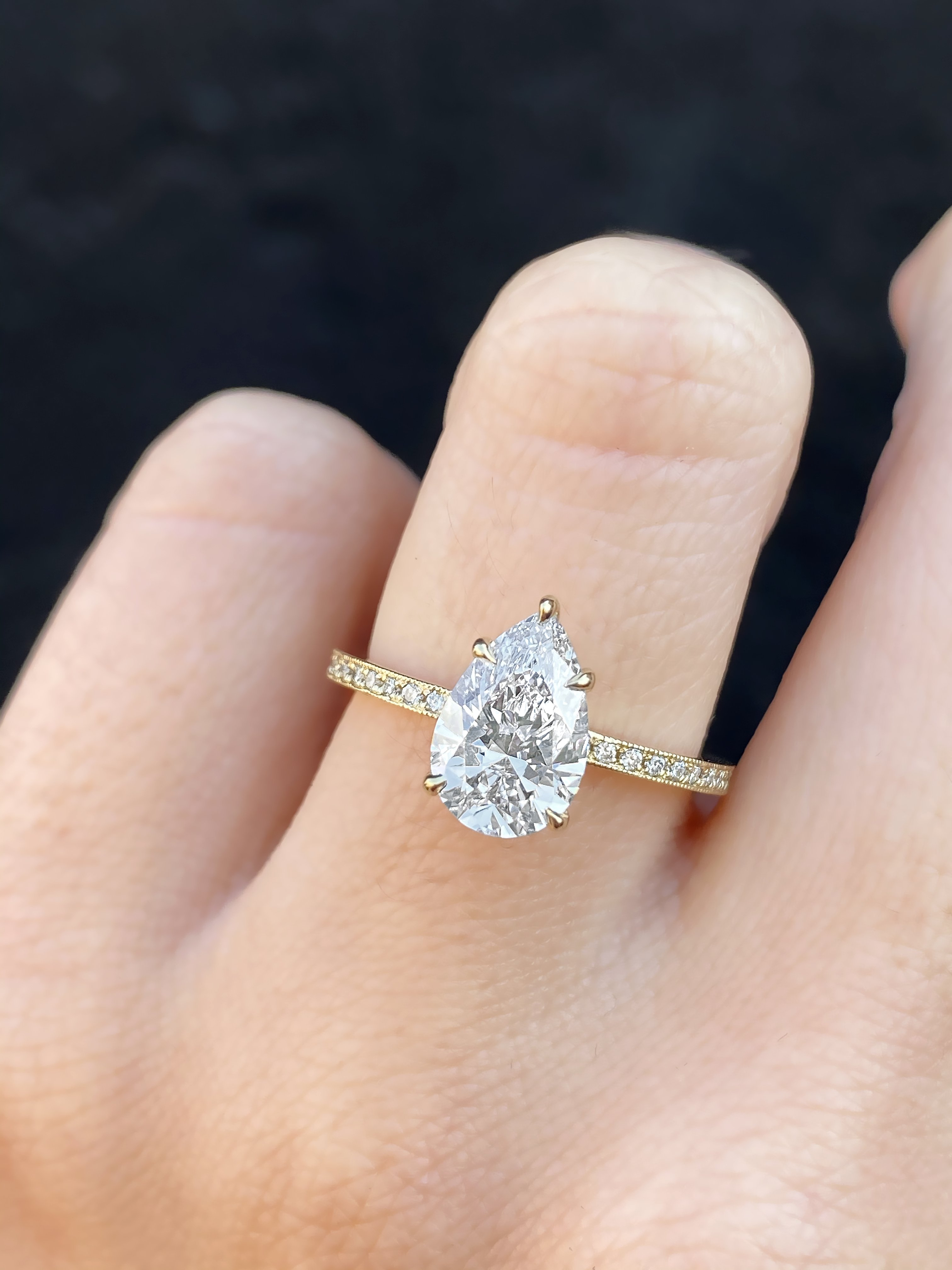 How to Sell a Diamond Ring to a Pawn Shop?